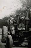 2b-erster-Traktor
